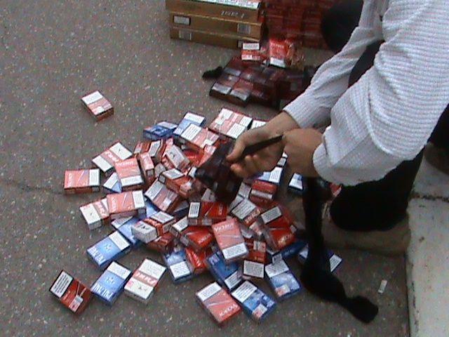 Un bărbat de 62 de ani din Vlaicu, prins cu țigări de contrabandă