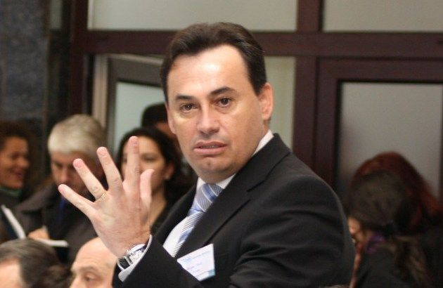 """Gheorghe Falcă îşi face 10 """"concedii"""" pe an din banii arădenilor"""