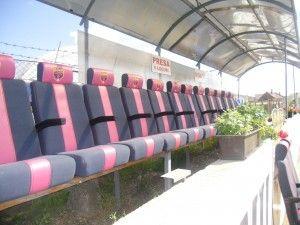 scaune noi la presa