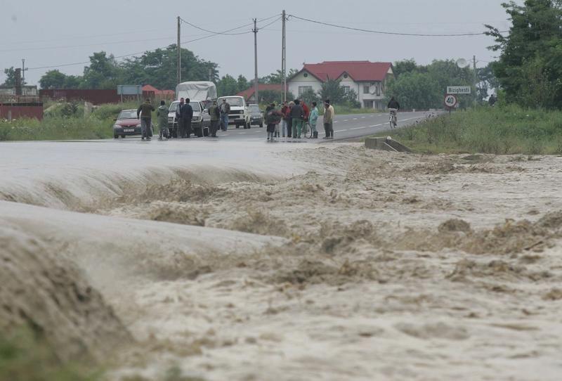 Cod portocaliu de inundații în județul Arad