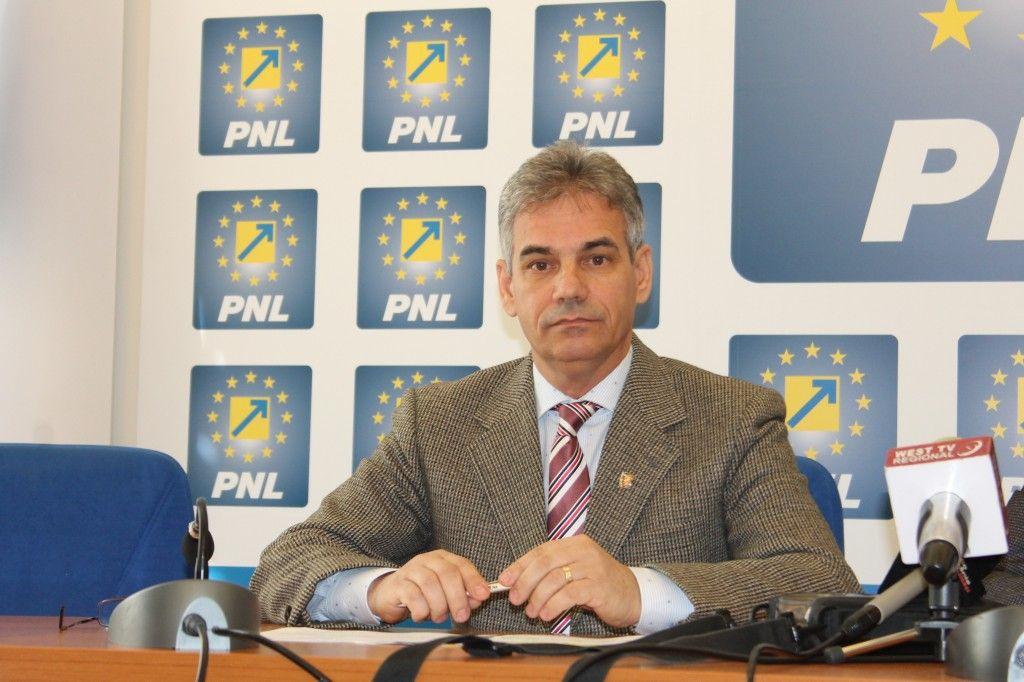 Liberalul Plaveți aplaudă ideile PSD, dar nu le susține