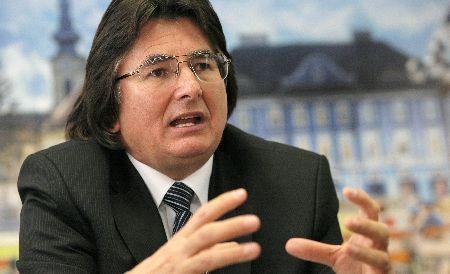 Primarul Timişoarei, Nicolae Robu, suspect într-un dosar de corupţie