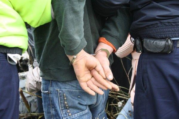 Un condamnat pentru furt calificat a fost încarcerat de polițiștii arădeni