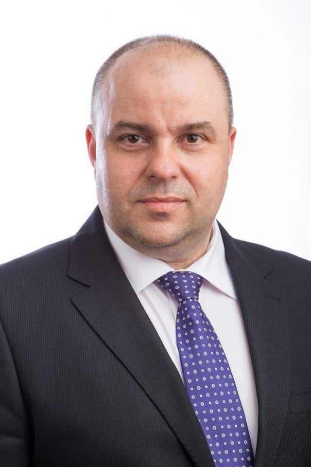 """Adrian Todor: """"Nu poți să salvezi Aeroportul Arad cu un fost spion comunist și cu șeful Comunicării, de la CJA"""""""