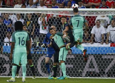 PORTUGALIA – ŢARA GALILOR 2-0 ŞI LUSITANII SUNT ÎN FINALA EURO