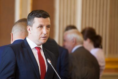 BENIAMIN VĂRCUȘ: FALCĂ SUSȚINE O FIRMĂ FANION A MAFIEI PDL