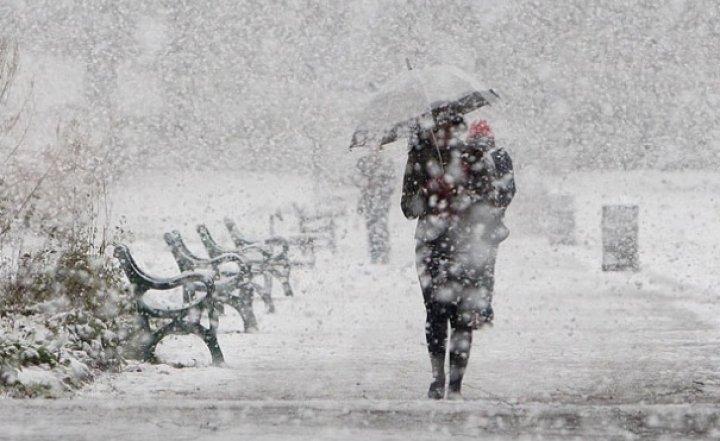 Cod galben de vânt și zăpadă în mai multe județe din țară