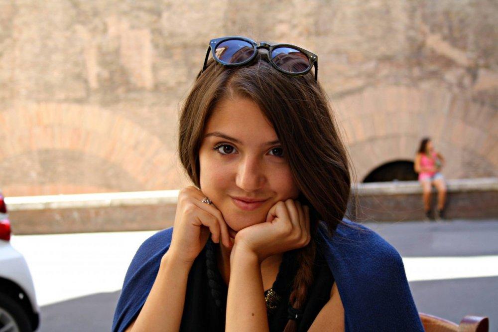 Teodora- studenta care a trăit 20 de ani purtând în pântece embrionul fratelui geamăn