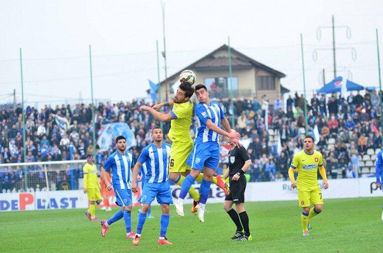 Craiova – Steaua, derby în Liga 1. Program şi clasament