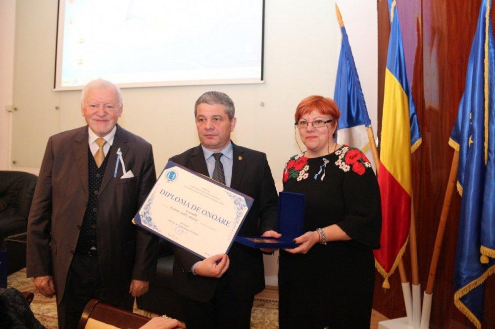 """Ministrul Sănătăţii a vizitat Universitatea de Vest """"Vasile Goldiş"""" din Arad"""