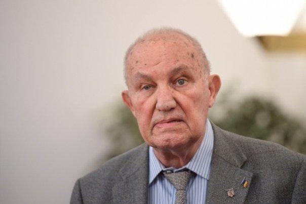 Academicianul Dinu C. Giurescu, la 90 de ani