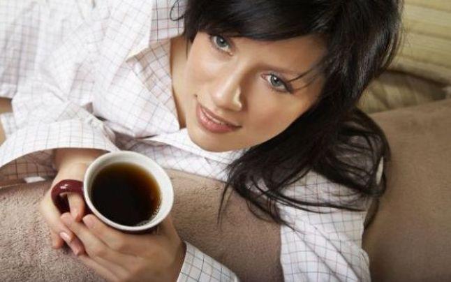 Poți să slăbești și în somn! Vezi ce trebuie să bei înainte de a merge la culcare
