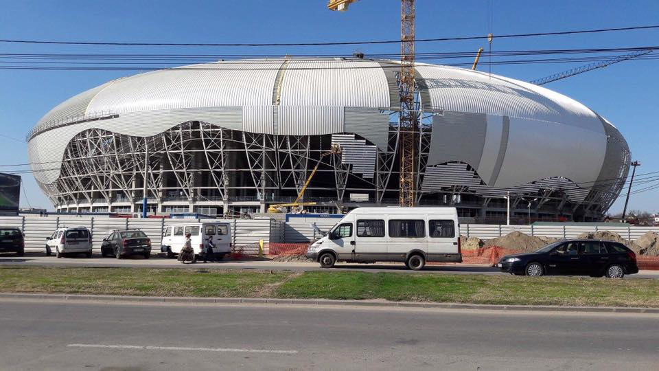(FOTO) Stadionul din Craiova e aproape gata. Arădenii rămân cu poveștile lui Falcă