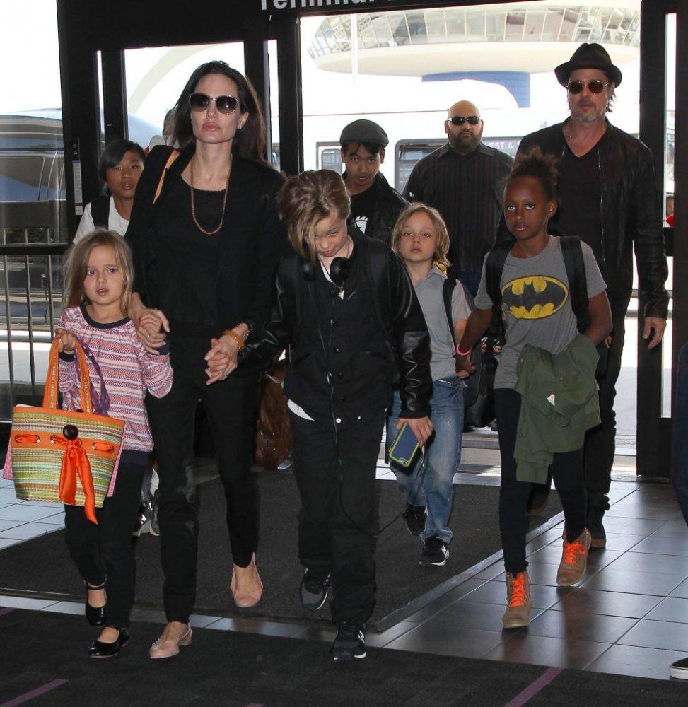Angelina Jolie și Brad Pitt, în relații cordiale din nou