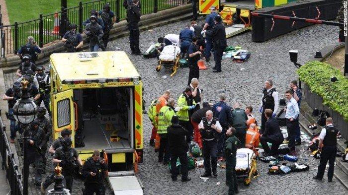 Românca rănită în atentatul din Londra a decedat