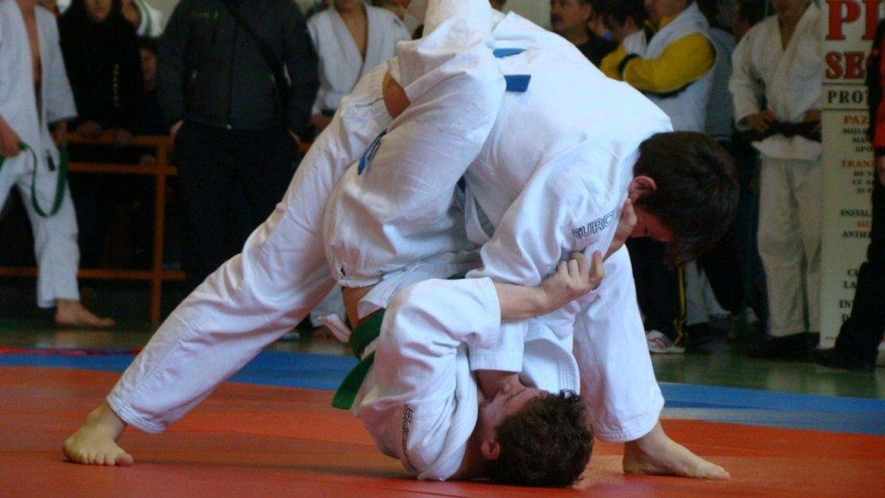 Judoka arădeni au cucerit şase medalii la Naţionale
