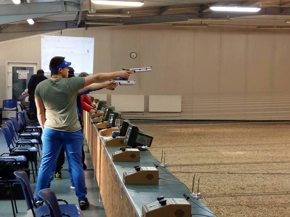 Pistolarul Casian Codrean, triplu campion naţional la juniori