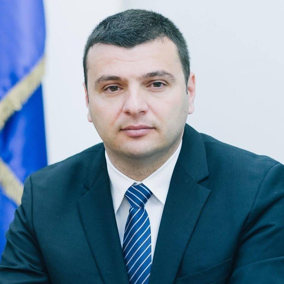 """Sergiu Bîlcea: """"Le cer parlamentarilor să repare Legea achiziţiilor publice"""""""