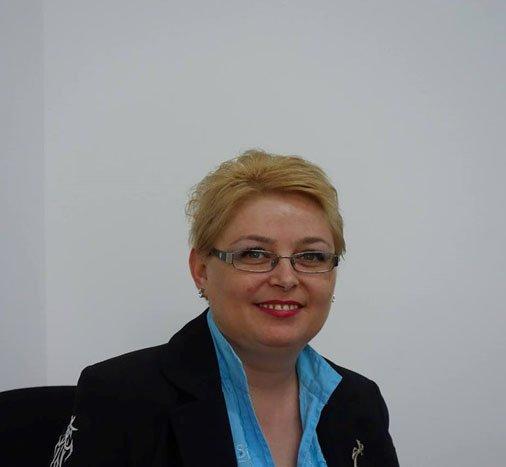 Cristina Duma şi-a început mandatul interimar la Biblioteca Judeţeană