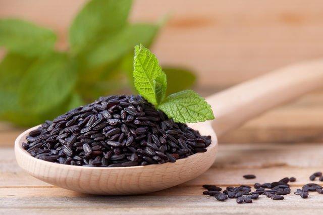 Beneficiile orezului negru pentru sănătate