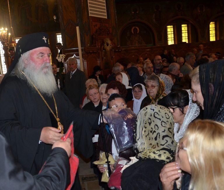 Mitropolitul Banatului, alături de femeile cu deficiențe de auz
