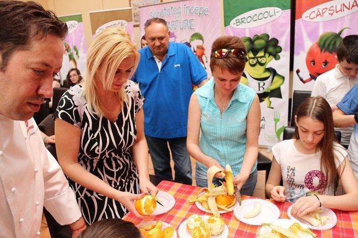 Aproximativ 150 de copii şi-au dat întâlnire cu chef Cezar Munteanu, la Cantina Municipală