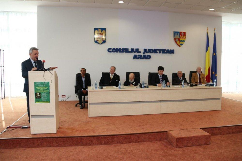 Consiliul Judeţean Arad găzduieşte Simpozionul Naţional Constantin Noica
