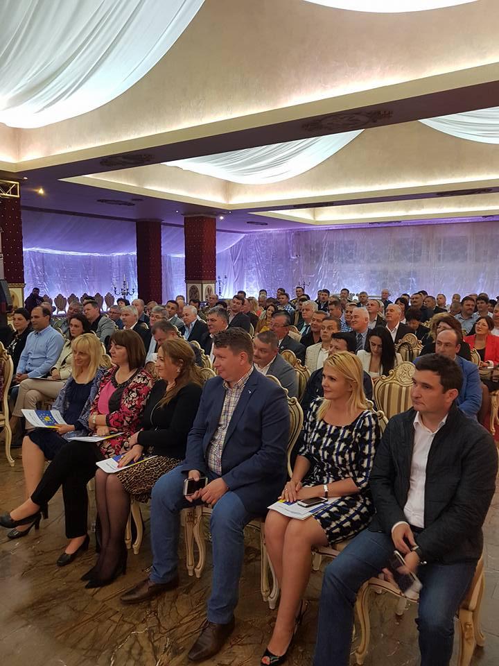 Falcă a chemat sute de oameni la Marem pentru a vedea cum l-a umilit Ludovic Orban