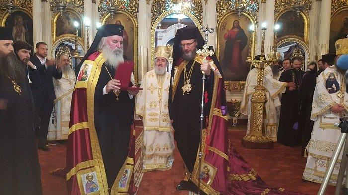 (FOTO) PS Emilian Crișanul, înscăunat în funcția de Episcop Vicar al Arhiepiscopiei Aradului
