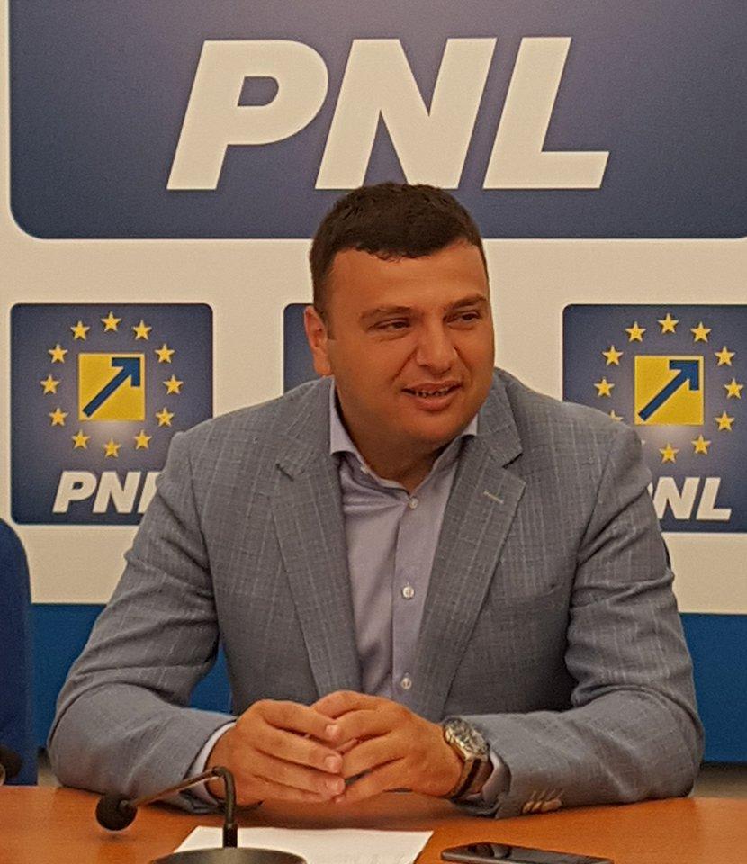 """Sergiu Bîlcea(PNL): """"Reabilităm peste 100 de străzi, în toate cartierele Aradului"""""""