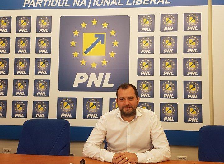 """Răzvan Cadar: """"PNL le cere deputaţilor PSD să nu voteze supraacciza la combustibili!"""""""