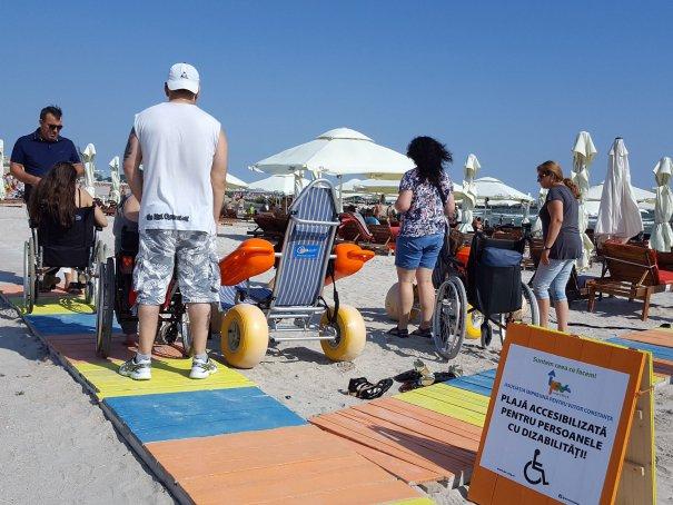 S-a deschis prima plajă pentru persoanele cu dizabilități din România