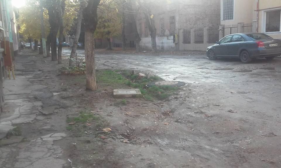 """""""Comuna"""" europeană Arad mai are zeci de străzi de pământ. Primăria promite să le asfateze"""