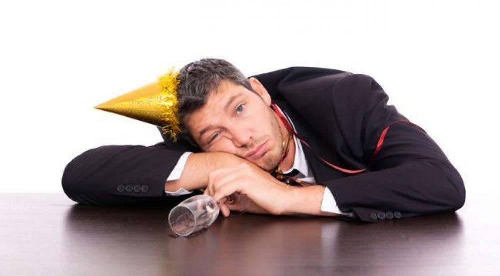 Ce nu trebuie să faci după o petrecere cu mult alcool