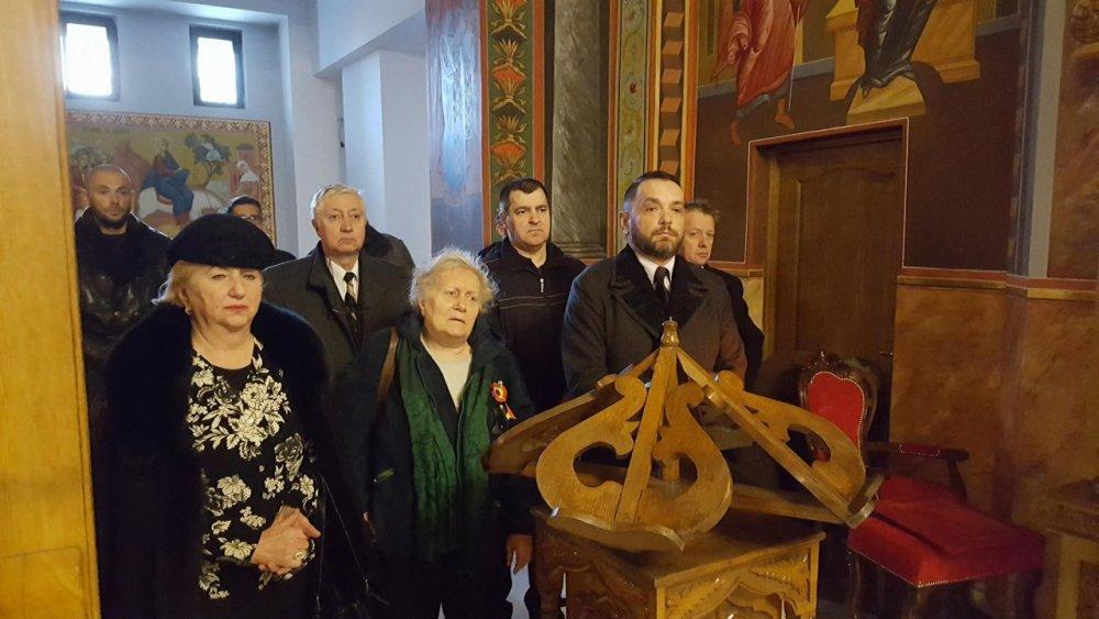 (FOTO) Slujbă de pomenire a Regelui Mihai, în Arhiepiscopia Aradului