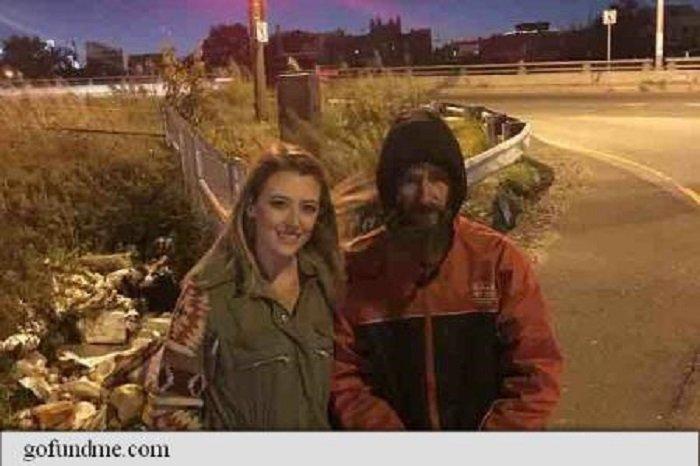 Și-a dat ultimii bani pentru a ajuta o femeie, iar acum viața lui s-a schimbat complet