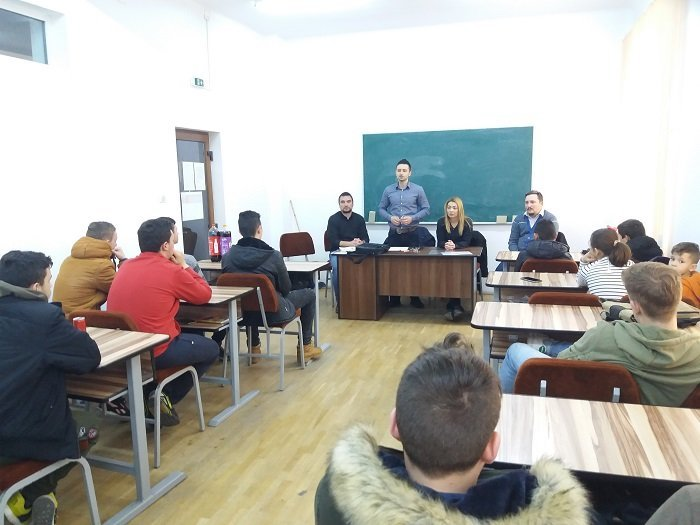 """Activități social-educative de prevenire a consumului de alcool și droguri, la Școala Profesională ,,Astra"""" Arad"""