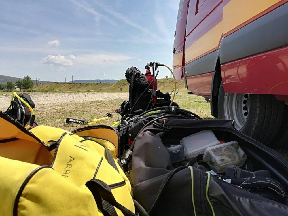 Amplu exercițiu al scafandrilor arădeni, pe lacul Ghioroc