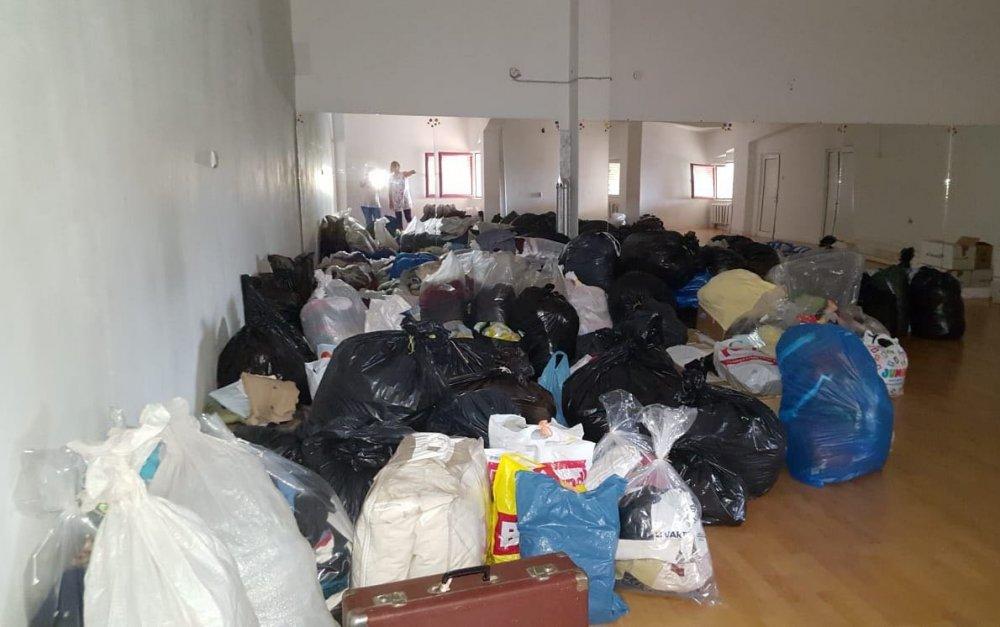 Centru de colectare a donațiilor pentru sinistrați, la Bazinul Delfinul