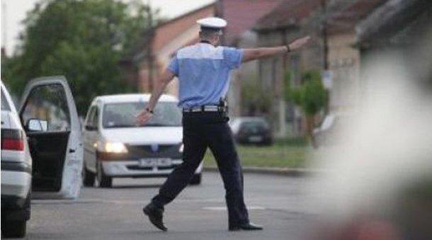 Un tânăr din Arad, prins în trafic cu permis de conducere fals