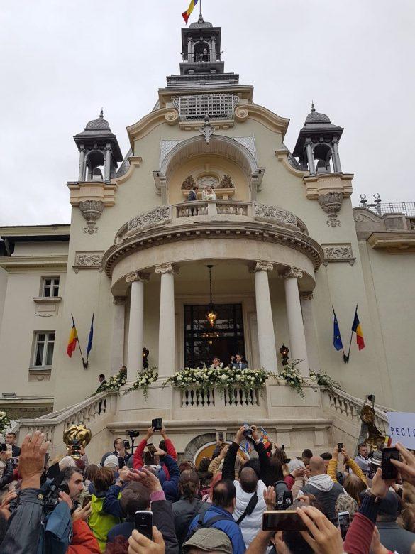 (FOTO) Peste 40 de tineri din Pecica, prezenți la nunta Principelui Nicolae