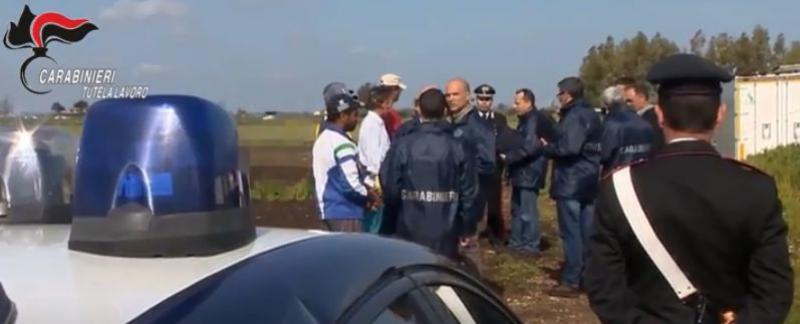 Doi români, arestați într-un nou caz de sclavie din Italia