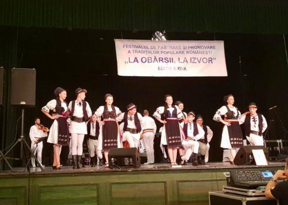 """(FOTO) Hramul Bisericii Sfânta Parascheva și festivalul """"La obârșii, la izvor"""", organizate la Gyula"""
