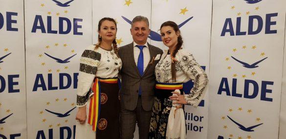 """ALDE Arad a sărbătorit """"România, 1oo de ani într-o zi"""""""