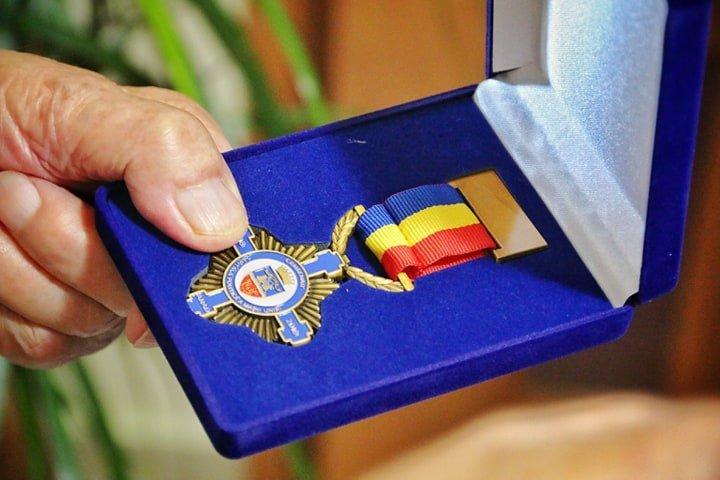 Veteranii de război din Arad au primit Ordinul Centenar