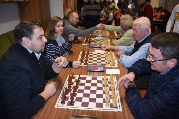 """(FOTO) Manifestări româneşti la Gyula. Concurs Internaţional de şah """"Foaia Românească"""""""