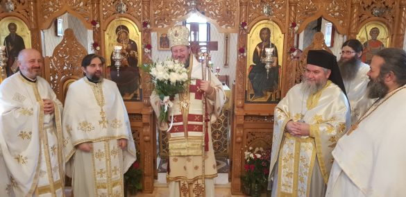 (FOTO) Întâmpinarea Domnului, o sărbătoare cu multă bucurie, lumină și costume tradiționale, la Paraclisul Facultății de Teologie din Arad