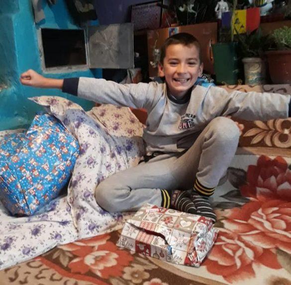 """""""HRĂNEȘTE UN SUFLET!"""", o nouă campanie inițiată de Alexandra Timar pentru copiii și bunicii care au uitat să zâmbească"""