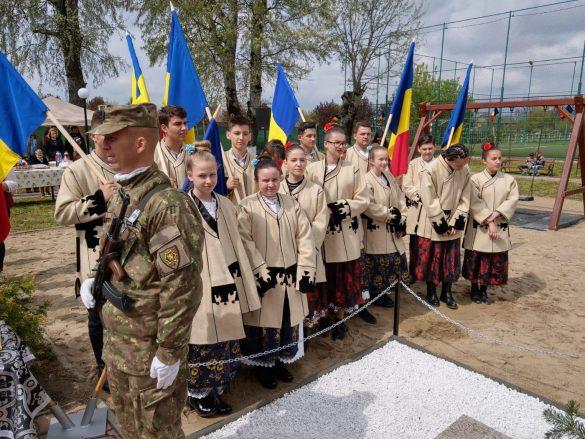 (FOTO) Slujbă de pomenire și sfințire de monument pentru Caporalul Alexe Ion, la 100 de ani de la moartea sa eroică